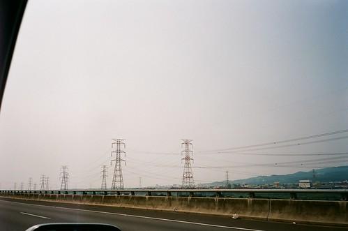 撇頭看見高速移動中時間停駐那一霎時的風景