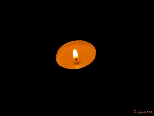 Jugando con 1 vela. by Maclympico320