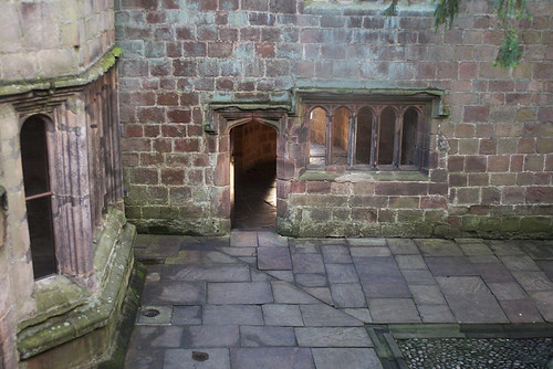 skipton castle courtyard 12