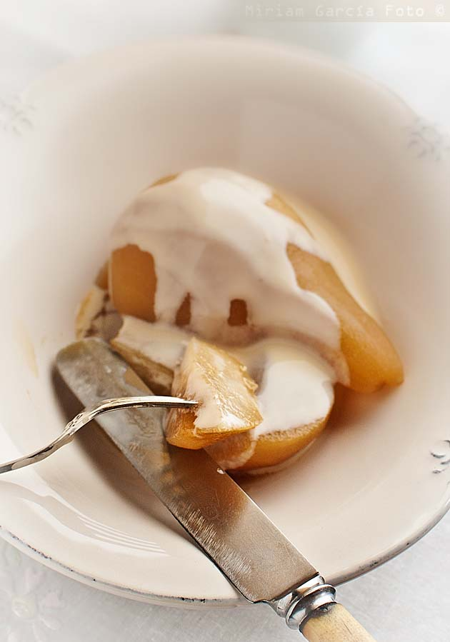 Cider pears with custard