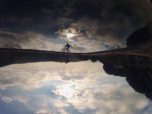 Pedaleando entre las nubes