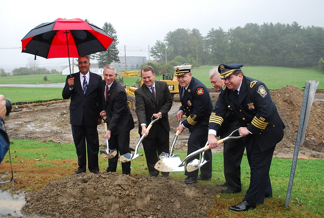 Lieutenant Governor Murray participates in the groundbreaking ceremony for the Essex County Regional Emergency Communication Center.