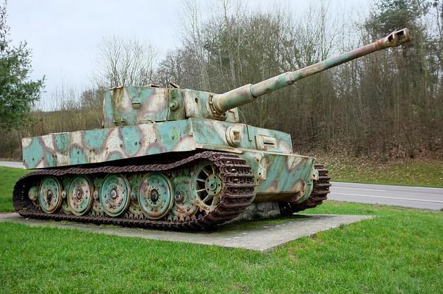 Le char tigre de vimoutiers for L interieur du char de vimoutier