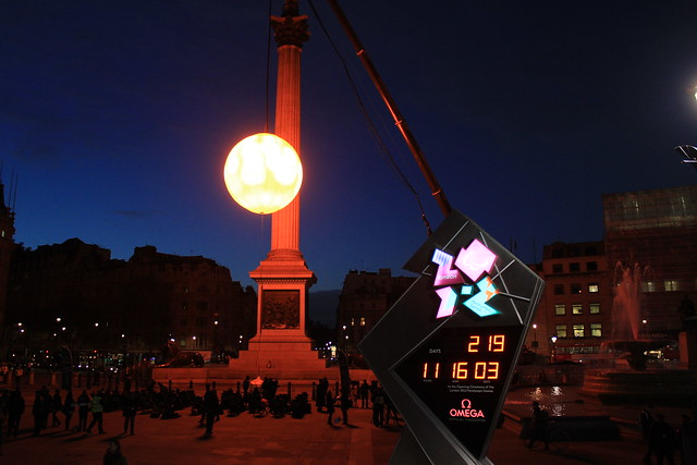 The Trafalgar sun next to the countdown to the Olympics