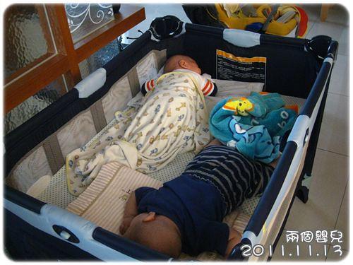 111113-兩個嬰兒