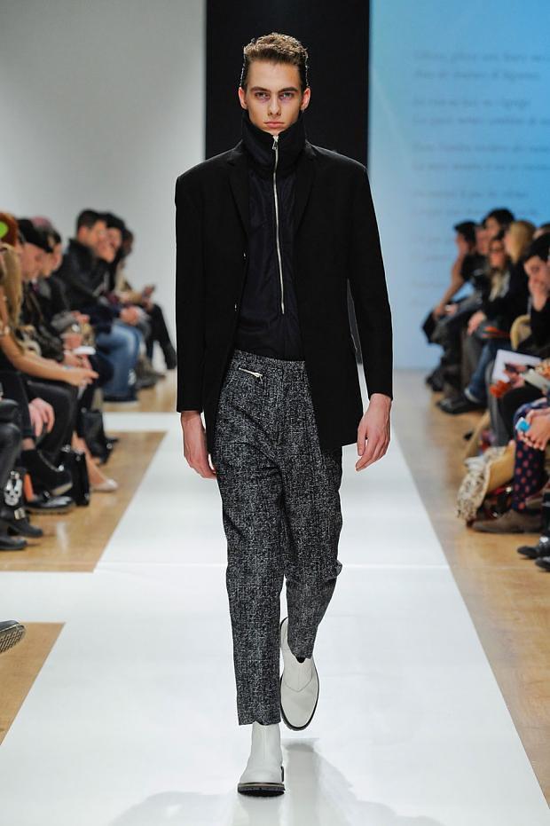 Duco Ferwerda3052_3_FW12 Milan Gazzarrini(fashionising.com)