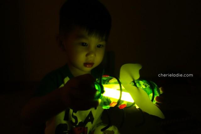 Lollibox Firefly glowing in the dark