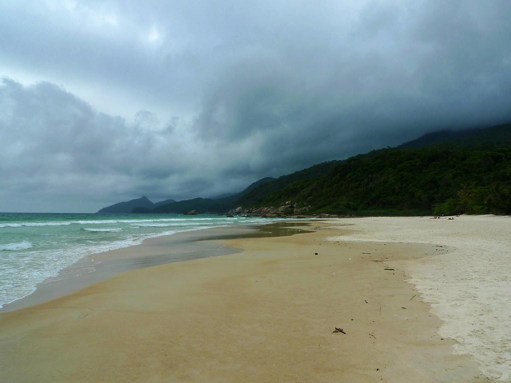 Остров Илья Гранде пляж