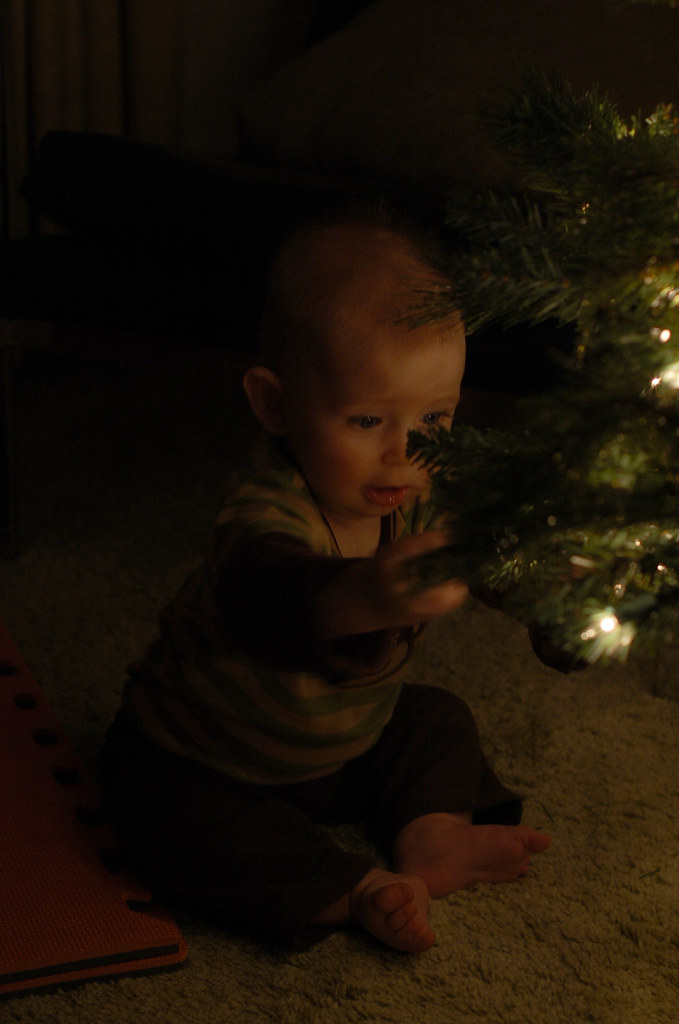isaacs first christmas_8