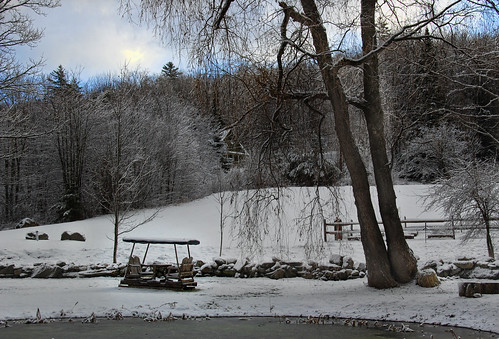 blue winter mountains sunrise vermont bluesky tranquil vt weston vermontcountrystore wnywaterfallers chatfieldhouse vermontdreams