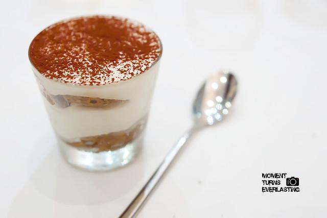 sweet sweet dessert tiramisu @ marriott hotel Singapore