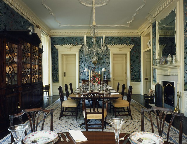 Lake Forest Dining Room