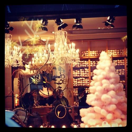 棉花糖般的粉紅聖誕樹