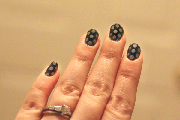 Polka dot nails, 2