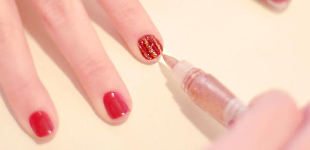 diy striped manicure 2