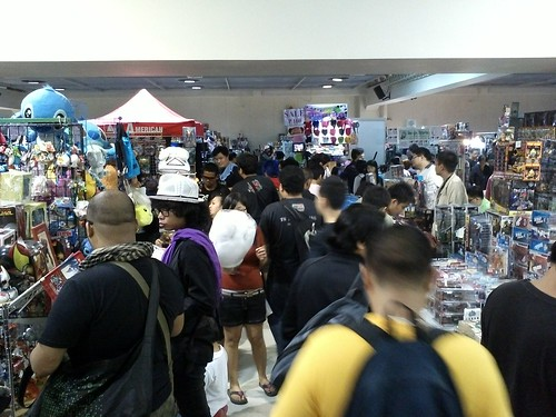 Xmas Toycon day 3 still crowded by shoppers by popazrael