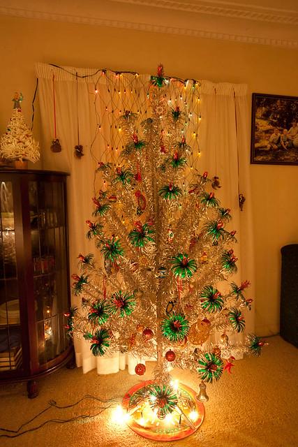 Raco Mistletoe Pine Aluminium Christmas Tree