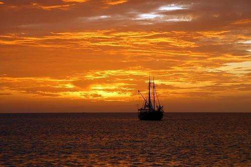 ocean sunset sun beach nature warm aruba sony350