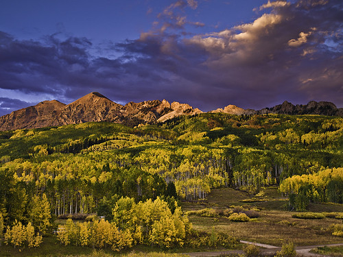 autumn trees sunset sky mountains fall nature america landscape rockies outdoors evening scenery colorado seasons fallcolors dramatic aspens rockymountains peaks scenics crestedbutte