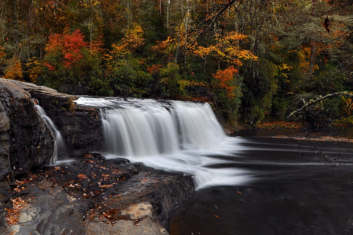 longexposure autumn mountains fall nature landscape waterfall nikon northcarolina hookerfalls dupontstateforest ndfilter nikond90