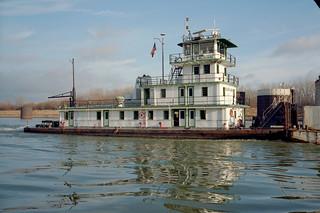 98l011: William Clark upbound on Ohio River at L&I Bridge, Louisville, Kentucky