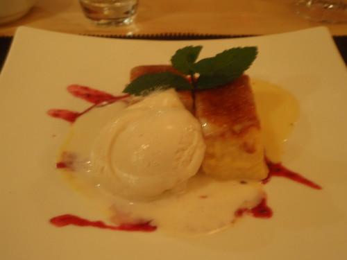 Zaragoza | Restaurante Bole | Torrijas con helado de leche merengada