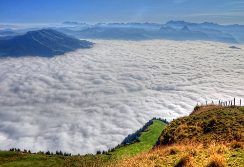 light mountain alps nature fog clouds landscape schweiz switzerland photo nikon swiss 2011 d90 ceca