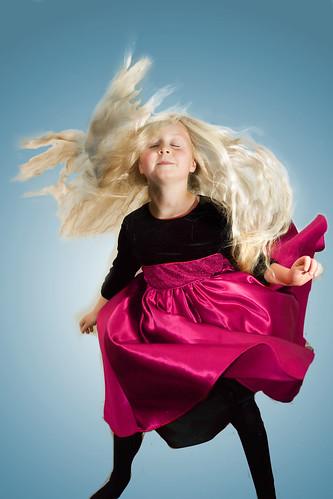無料写真素材, 人物, 子供  女の子, 踊る・ダンス, 髪がなびく, イギリス人