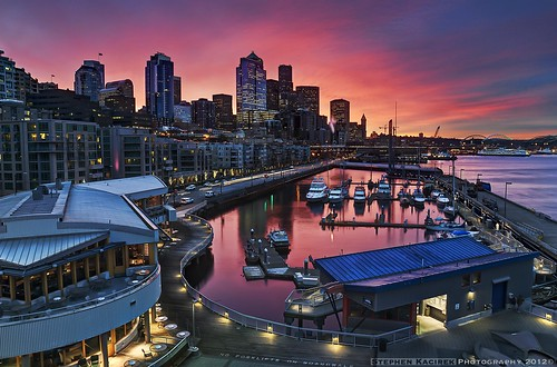 seattle morning color skyline sunrise reflections washington downtown waterfront pugetsound alaskanway pier66 bellharbor