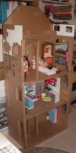 BarbieCardboardDollhouse014