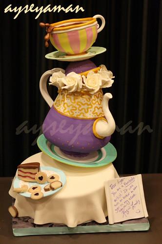 Teapot party cake