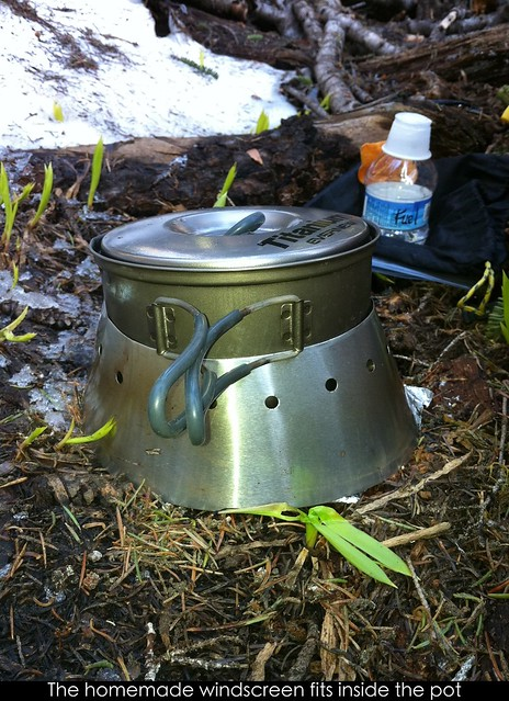 Homemade windscreen fits inside the pot
