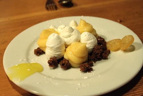 lemon meringue & poppyseed crumble