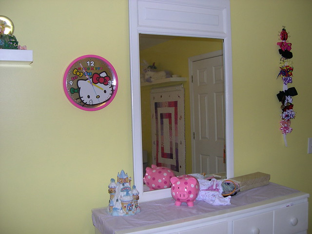 Hello kitty room decorations flickr photo sharing for Decoration hello kitty chambre