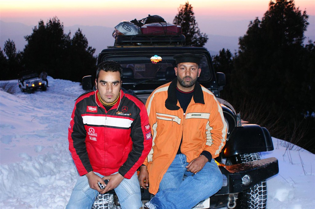 Muzaffarabad Jeep Club Snow Cross 2012 - 6812850421 ae9f83348d b