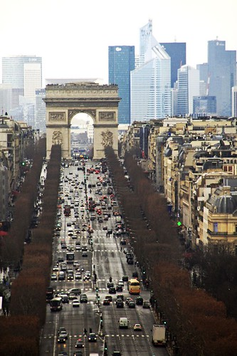 Avenue des Champs Elysees (Paris) by margalice / marga
