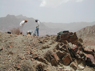 Installation of Auxiliary Seismic Station AS074 components Wadi Sarin Oman
