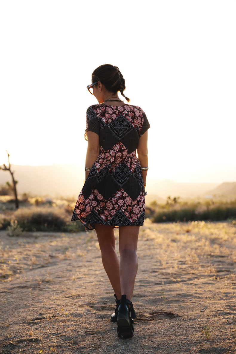 Joshua_tree-Coachella_2014-Festival_Outfit-Floral_Dress-Cut_Out_Boots-Braid-Desert-10