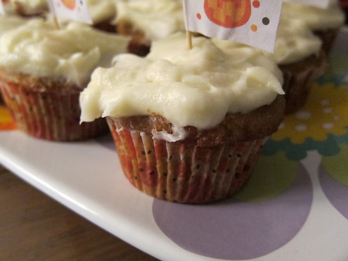 5 Heywhocutthecheese-Pumpkin Spice Cupcakes