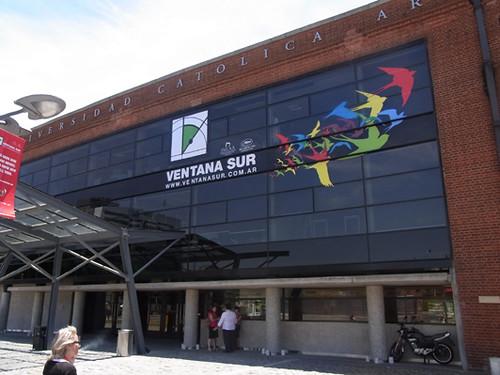 webdice_2011マーケット会場2