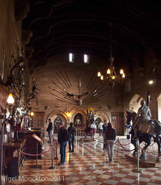 Warwick Castle, Great Hall - emphasising visitors