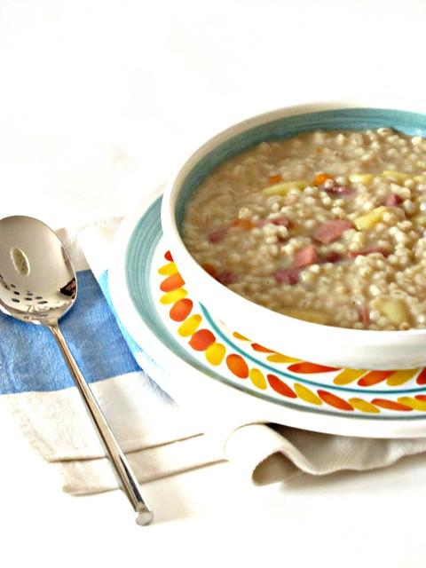 Zuppa Tirolese con Orzo, Speck e Patate