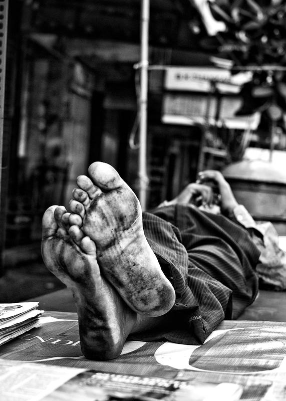 A Hard Day's Work - Mayank Pandey amateur photographer from Mumbai India online photo exhibition street [hotography black and white Маянк Пандей фотограф любитель из Мумбай Индия онлайн фотовыставка стрит фотография черно белый