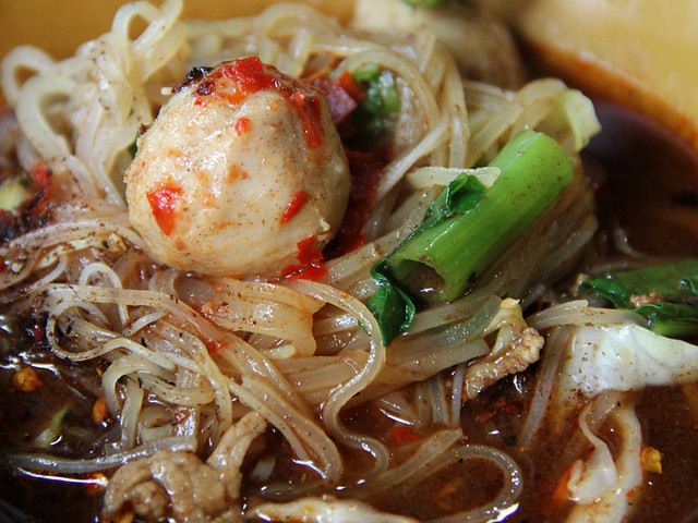 6543947955 09b7bcc0a1 z 51 Explicit Thai Food Pictures that Will Make Your Mouth Water
