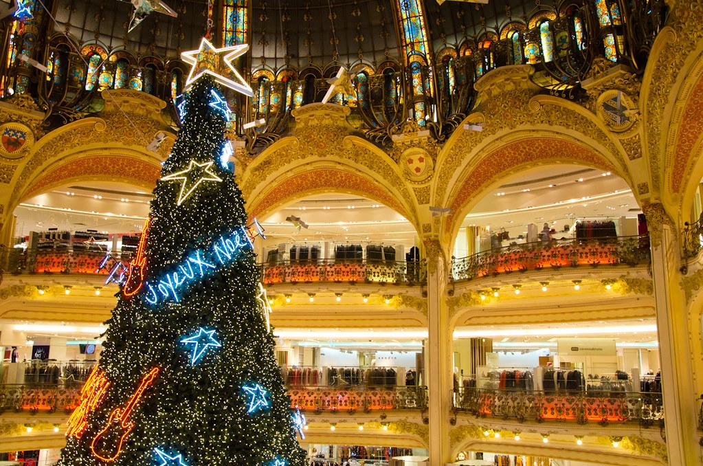 Le sapin de Noël aux Galeries Lafayette
