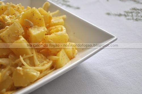 Salada de morna de batatas