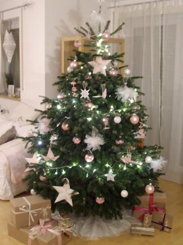 weissbunt weihnachtszauber der weihnachtsbaum christmas magic the christmas tree. Black Bedroom Furniture Sets. Home Design Ideas