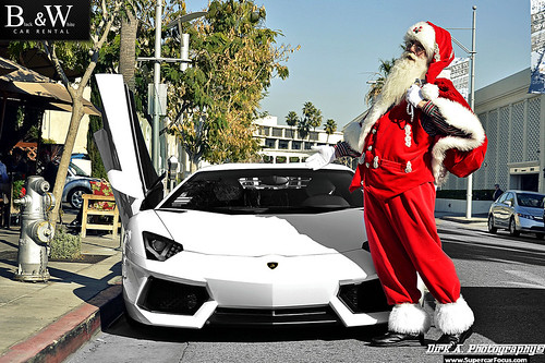 Santa's New Sleigh, The Lamborghini LP700-4! Sorry Reindeers...