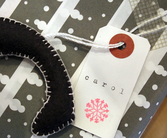 GREY PAPER AND FELT LETTERS 3