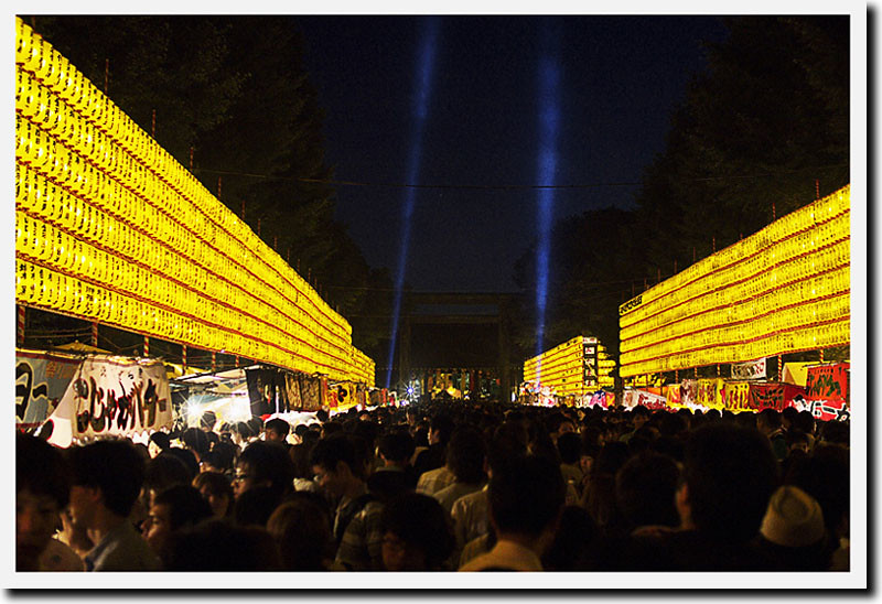 110715_193858_EP2_靖国神社_御霊祭り